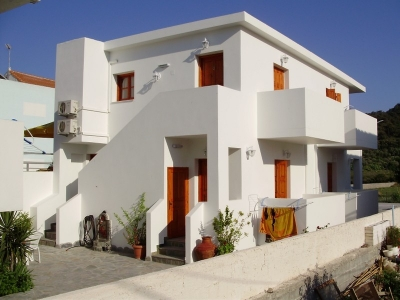 Tarsanas Studio Apartments In Samos